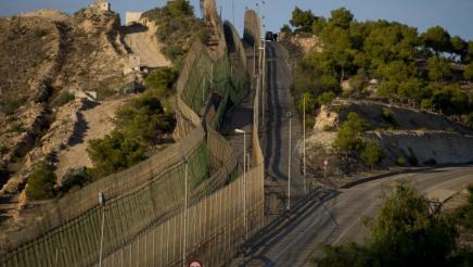 Hekwerk grens Melilla - Marokko_Fotor-web