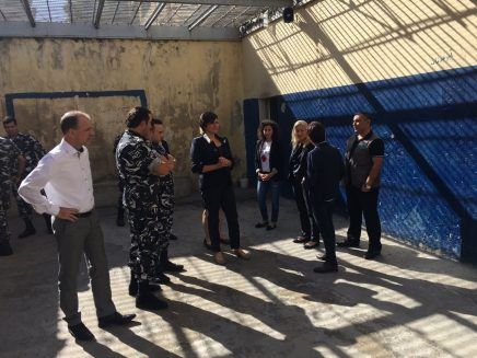 Jan Waltmans bezoekt gevangenis